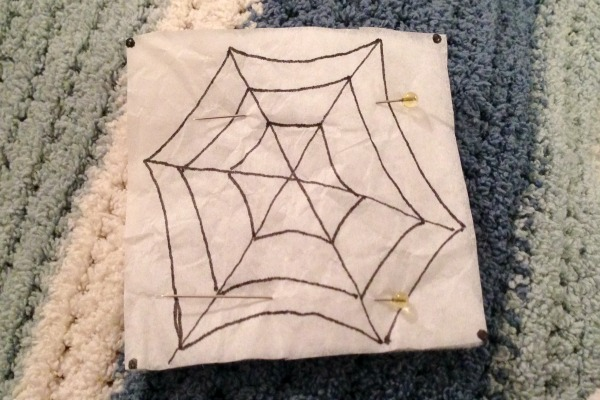 Felt Halloween Ornaments Set 2 Tutorial and Free Pattern - Spider paper - Felt With Love Designs