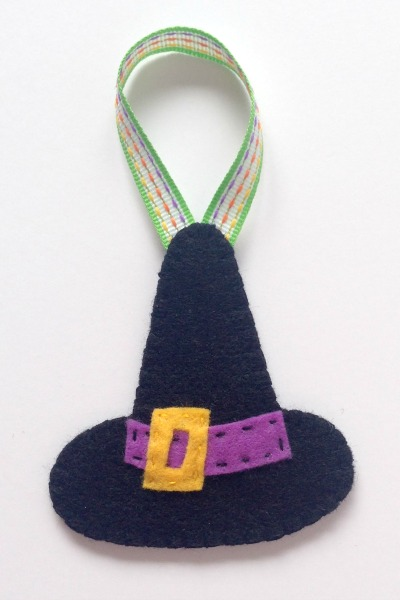 Felt Halloween Ornaments Set 2 Tutorial and Free Pattern - Witch Hat - Felt With Love Designs
