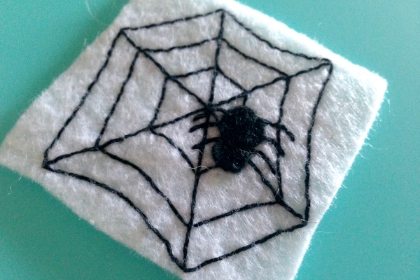 Felt Halloween Ornaments Set 2 Tutorial and Free Pattern - spider legs - Felt With Love Designs