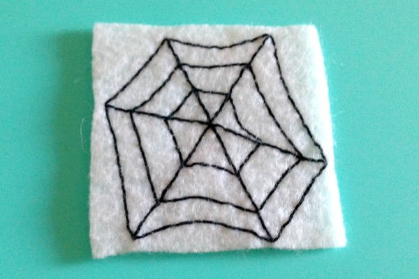 Felt Halloween Ornaments Set 2 Tutorial and Free Pattern - spider web - Felt With Love Designs