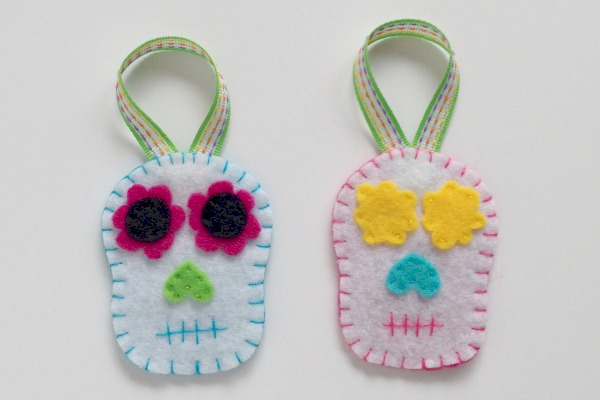 Simple Felt Sugar Skull Ornaments 1 - Felt With Love Designs