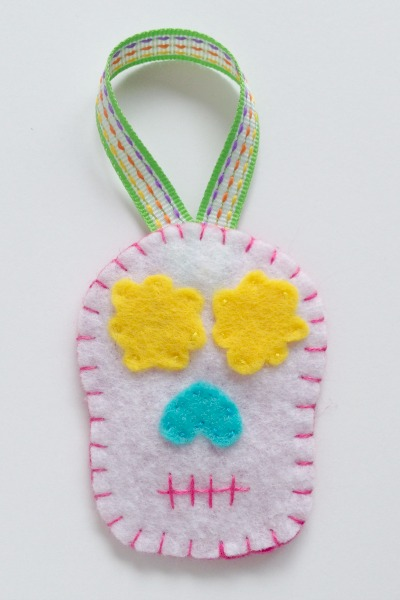 Simple Felt Sugar Skull Ornaments 3 - Felt With Love Designs
