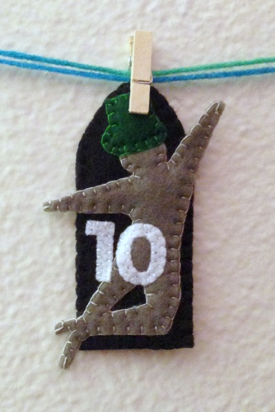 12 Days of Christmas Finger Puppets - Day 10 hanging - Felt With Love Designs