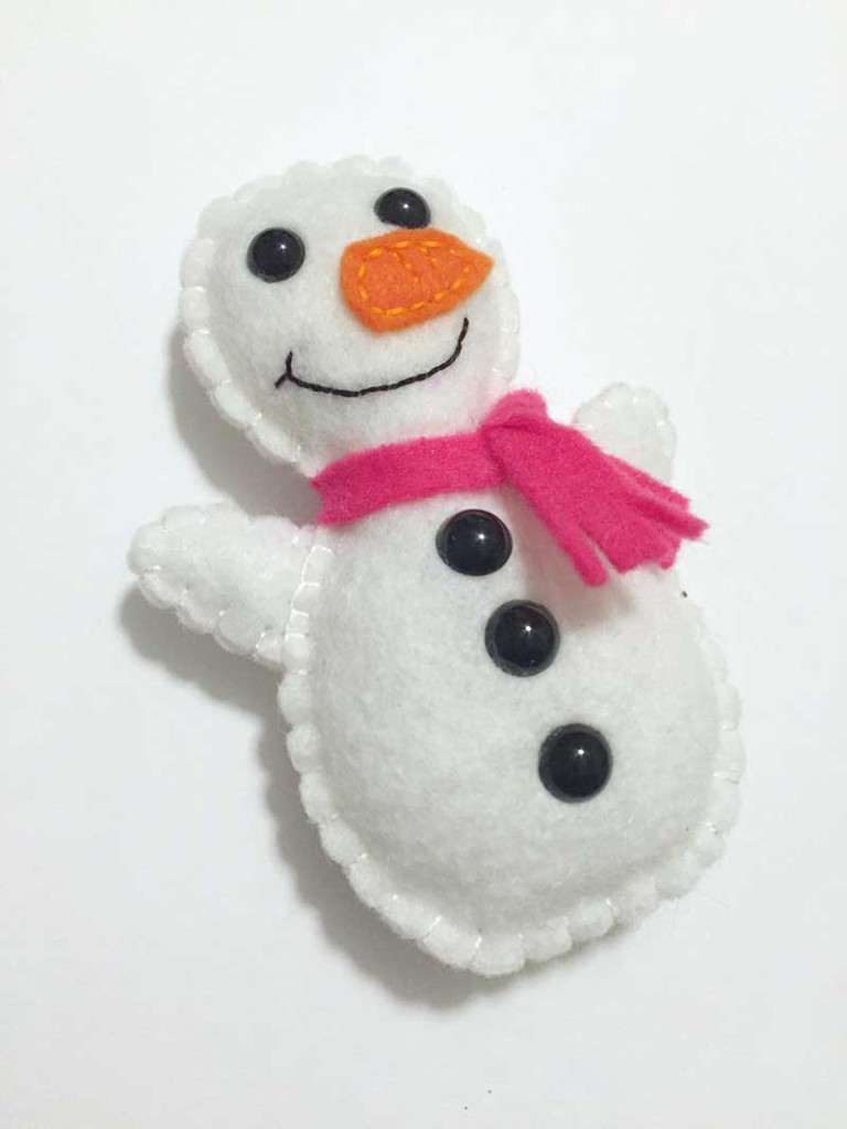 snowman-softie-free-pattern-and-tutorial-6-felt-with-love-designs