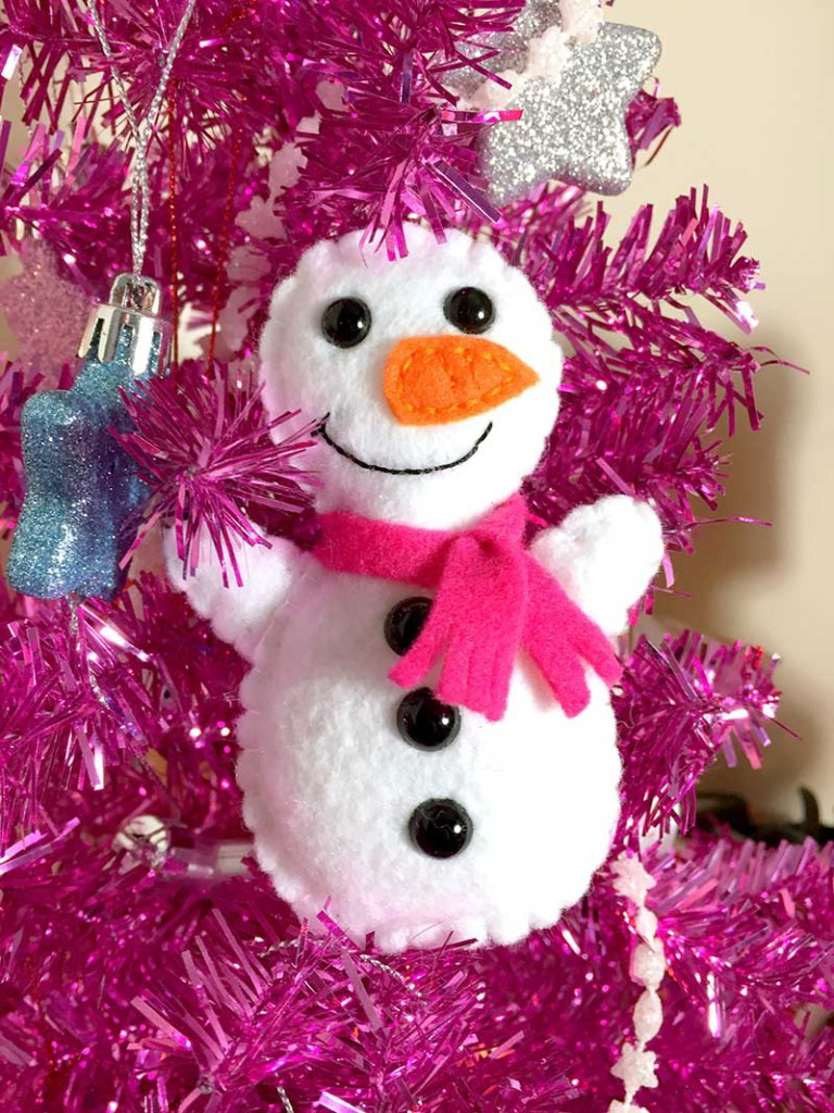 snowman-softie-free-pattern-and-tutorial-7-felt-with-love-designs