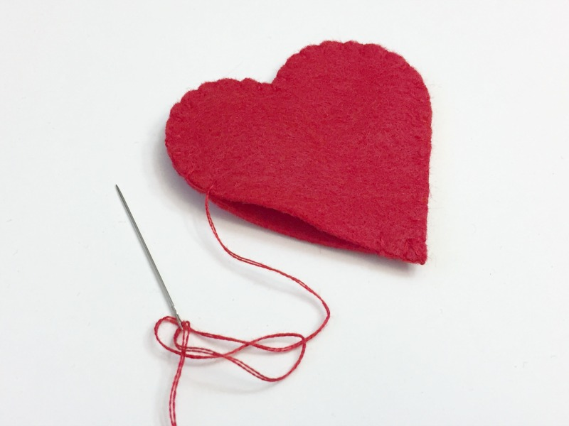 valentine's bear softie tutorial and free pattern-1-felt with love designs