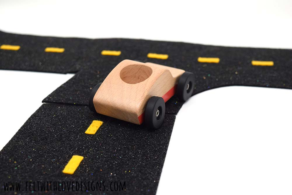 DIY Felt Roads Free Pattern - wooden car on playmat