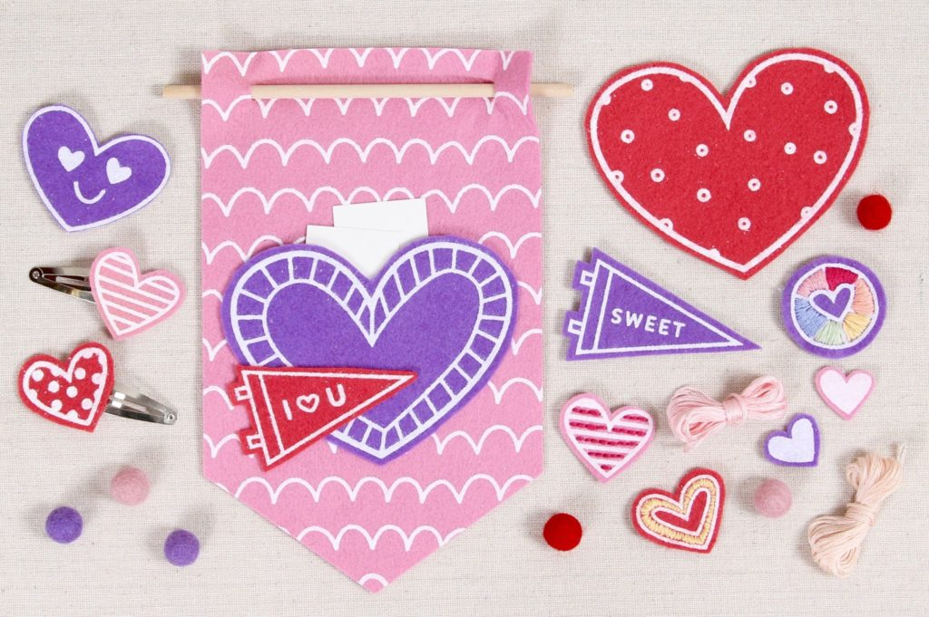 Diy Felt Valentine S Projects And Free Patterns Felt With Love Designs